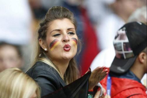 Ảnh đẹp Euro 13/6: Corluka như chiến binh, Modric lập siêu phẩm - 9