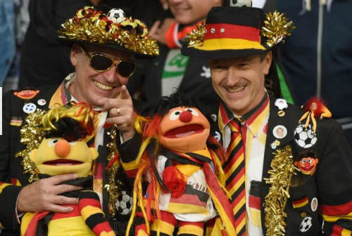 Ảnh đẹp Euro 13/6: Corluka như chiến binh, Modric lập siêu phẩm - 11