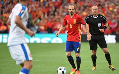 Chi tiết Tây Ban Nha - CH Séc: Người hùng Pique (KT) - 10