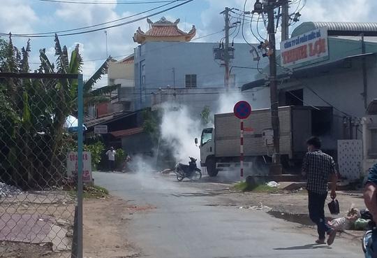 Rò rỉ khí độc ở khu dân cư, hàng trăm người tháo chạy - 1