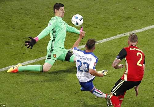 HLV Bỉ chê tuyển Ý đá quá thực dụng - 4