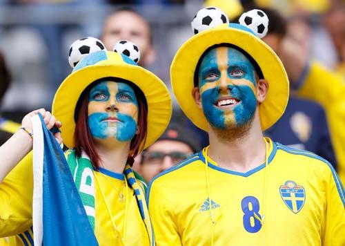 """Ảnh đẹp Euro 14/6: Bỉ ôm hận trước """"vua phản công"""" Italia - 15"""