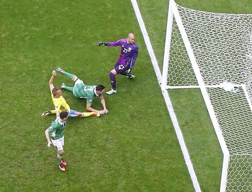 """Ảnh đẹp Euro 14/6: Bỉ ôm hận trước """"vua phản công"""" Italia - 6"""