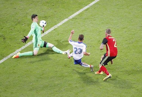 """Ảnh đẹp Euro 14/6: Bỉ ôm hận trước """"vua phản công"""" Italia - 2"""