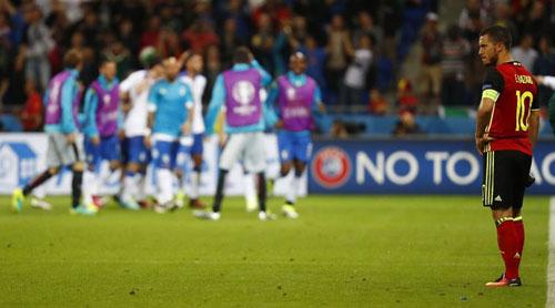 """Ảnh đẹp Euro 14/6: Bỉ ôm hận trước """"vua phản công"""" Italia - 1"""