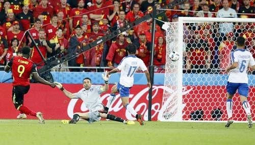 """Ảnh đẹp Euro 14/6: Bỉ ôm hận trước """"vua phản công"""" Italia - 3"""