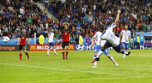 """Ảnh đẹp Euro 14/6: Bỉ ôm hận trước """"vua phản công"""" Italia - 4"""