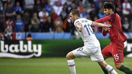 Video Bo Dao Nha vs Iceland - 1