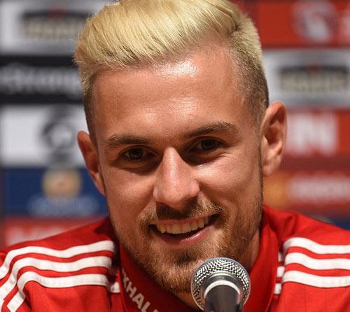 Bale chê tuyển thủ Anh không thể đá cho xứ Wales - 2