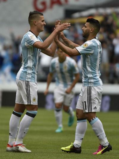 Chi tiết Argentina - Bolivia: Đá như đi dạo (KT) - 3