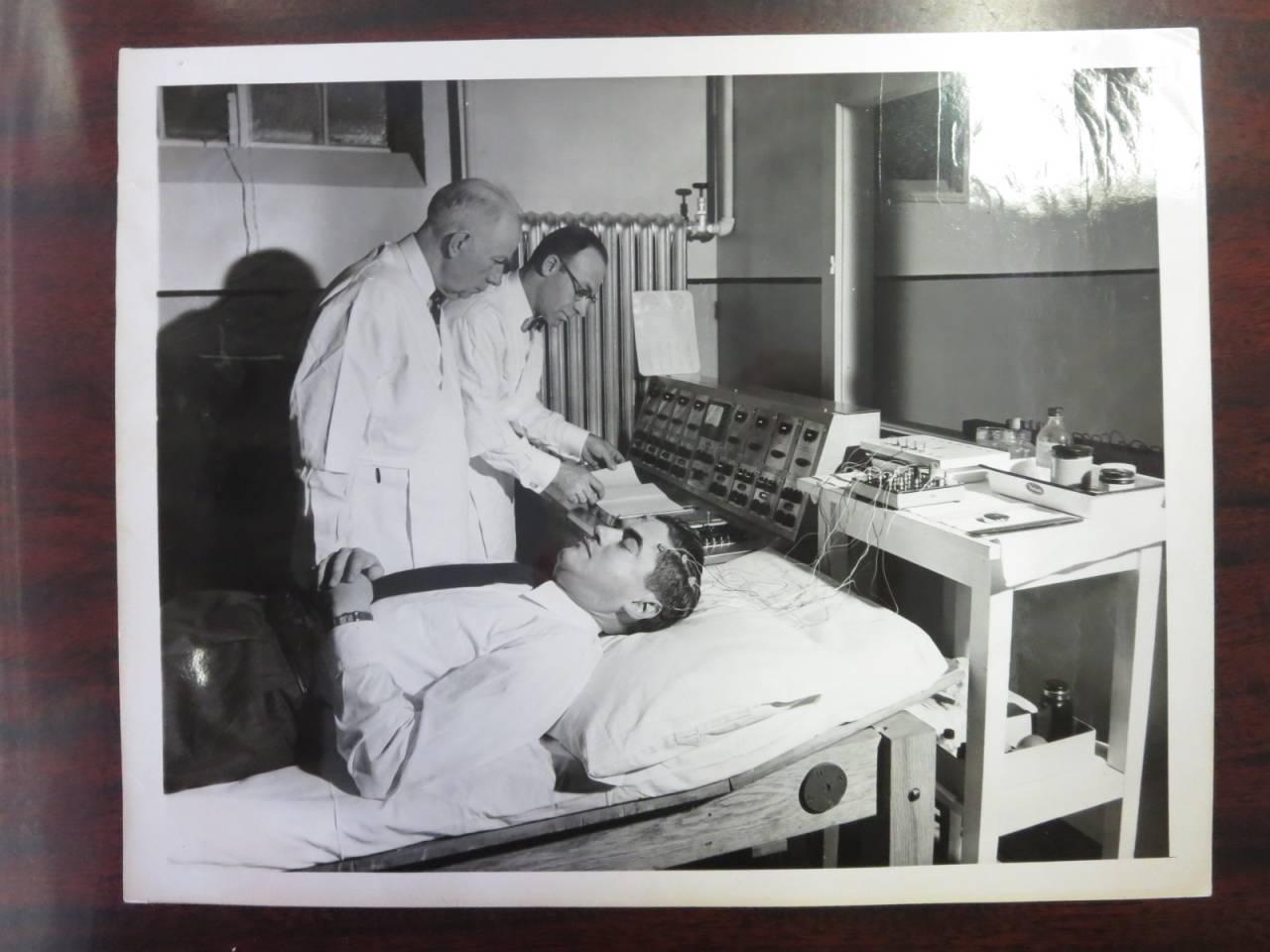 Ám ảnh bệnh viện tâm thần từ thế kỷ 19 - 8