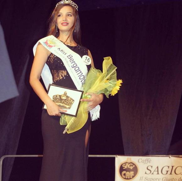 Đường cong Vệ Nữ của nữ sinh đăng quang Hoa hậu Italia - 3