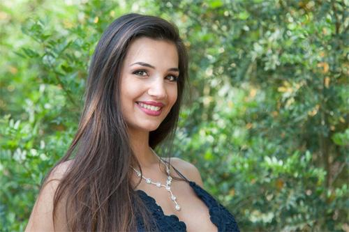 Đường cong Vệ Nữ của nữ sinh đăng quang Hoa hậu Italia - 7