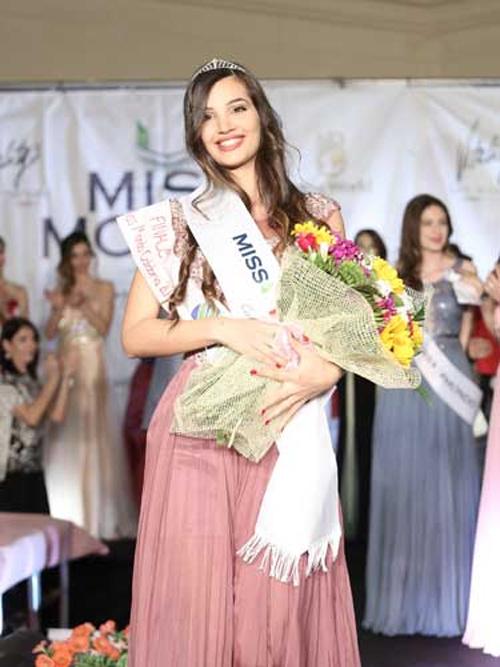 Đường cong Vệ Nữ của nữ sinh đăng quang Hoa hậu Italia - 13