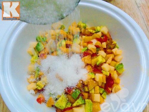 Hướng dẫn cách tự làm sữa chua trái cây thơm ngon - 3