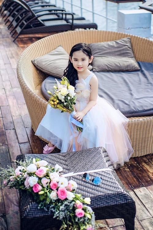 Con gái Minh Tiệp ngày càng xinh đẹp giống mẹ - 1