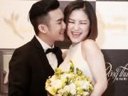 Hương Tràm thẹn thùng khi được Quang Hà ôm hôn