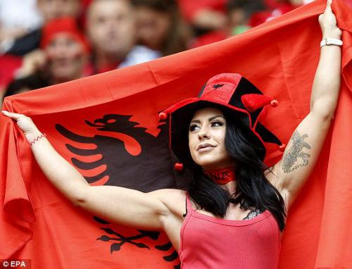 Chi tiết Pháp – Albania: Payet lại ấn định tỉ số (KT) - 10