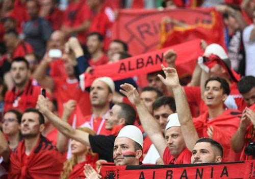 Chi tiết Pháp – Albania: Payet lại ấn định tỉ số (KT) - 13