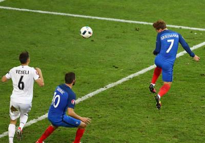 Chi tiết Pháp – Albania: Payet lại ấn định tỉ số (KT) - 8