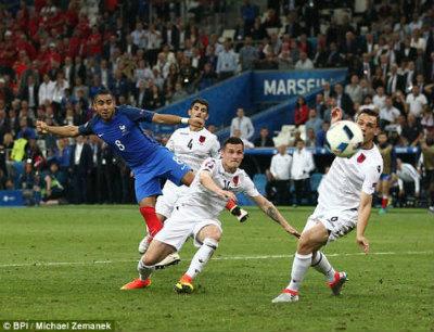 Chi tiết Pháp – Albania: Payet lại ấn định tỉ số (KT) - 9