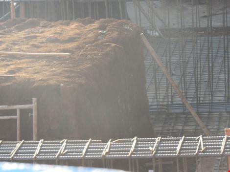 Tai nạn lao động, 1 nữ công nhân bị đất chôn vùi - 1
