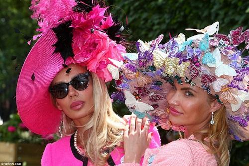 Bộ sưu tập mũ độc, lạ, hài hước ở trường đua ngựa Anh - 7
