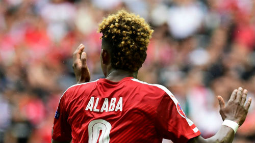 Ảnh đẹp Euro 16/6: Pogba, Fellaini và kiểu tóc dị nhất - 9