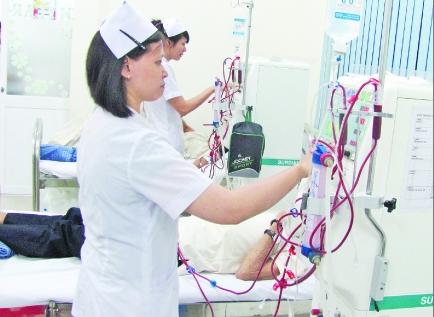 Lần đầu tiên chạy thận nhân tạo ở trạm y tế - 1