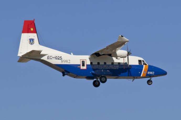 Khám phá máy bay CASA tìm phi công Su-30MK2 mất tích - 8