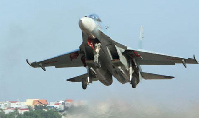 Trục vớt vật thể nghi là trục lốp trước của Su-30MK2 - 1