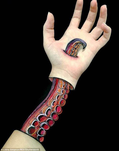 Nữ sinh biến cánh tay thành tranh 3D rợn người - 5