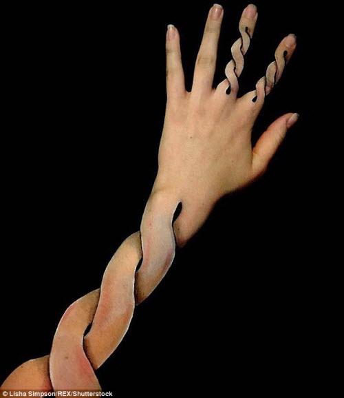 Nữ sinh biến cánh tay thành tranh 3D rợn người - 6