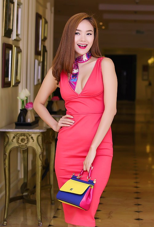Minh Hằng ngày càng khéo mặc theo gu quyến rũ - 9