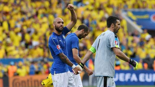 ĐT Ý giành vé sớm, HLV Conte mỉa mai truyền thông - 1