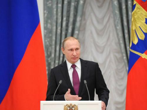 Đến lượt Tổng thống Putin bênh vực hooligan Nga - 1