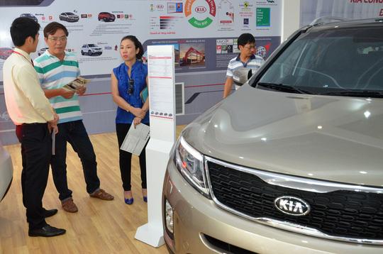 Ùn ùn nhập ô tô giá rẻ từ Ấn Độ - 1