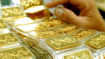 Cuối tuần, vàng lại đột ngột đi lên - 1