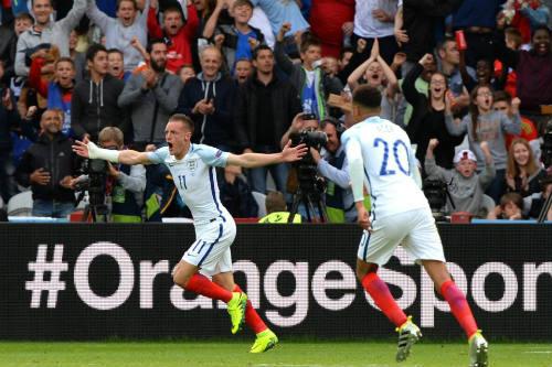 ĐT Anh: Kane và Sterling nhận đòn trừng phạt - 2