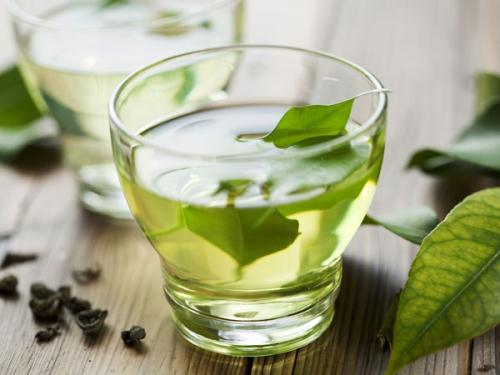 Điều kỳ diệu gì xảy ra nếu uống mỗi ngày một cốc trà xanh? - 1