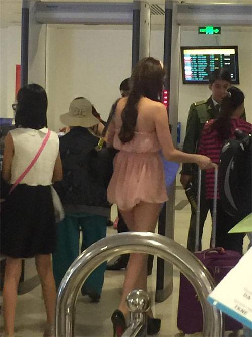Cô gái mặc váy ngắn như áo tại sân bay Tân Sơn Nhất - 3
