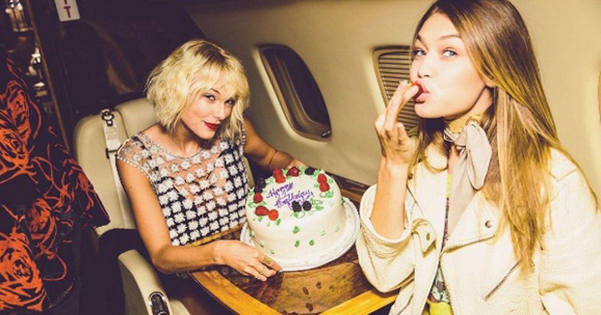 Khám phá hai chiếc phi cơ siêu sang của Taylor Swift - 12