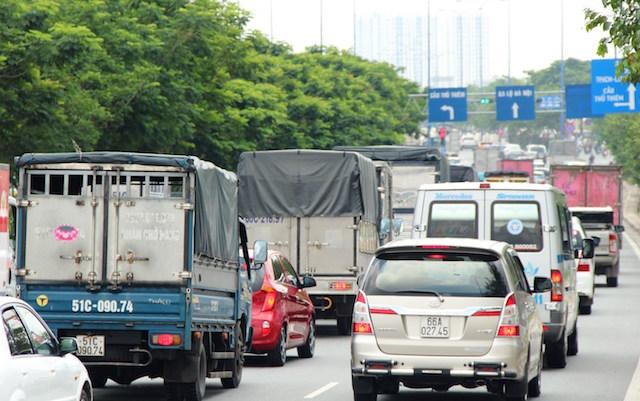 Phong tỏa hầm vượt sông Sài Gòn sau tai nạn liên hoàn - 2