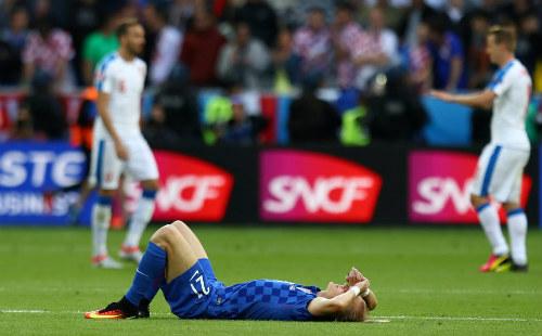 Ảnh đẹp Euro 18/6: Ý, Tây Ban Nha mở hội trên đất Pháp - 12