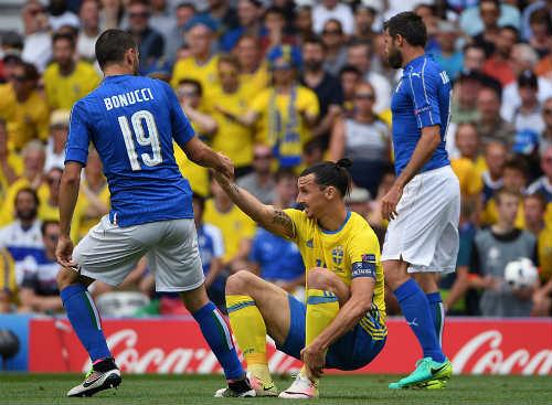 Ảnh đẹp Euro 18/6: Ý, Tây Ban Nha mở hội trên đất Pháp - 2