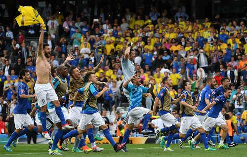 Ảnh đẹp Euro 18/6: Ý, Tây Ban Nha mở hội trên đất Pháp - 4
