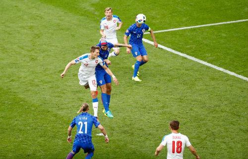 Ảnh đẹp Euro 18/6: Ý, Tây Ban Nha mở hội trên đất Pháp - 8