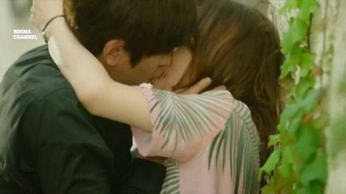 Cảnh hôn mãnh liệt trong phim Hàn phá vỡ kỷ lục người xem - 1