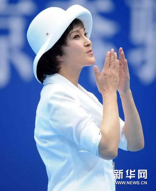 """Bóc mẽ vẻ """"lừa tình"""" trẻ như thiếu nữ của Lưu Hiểu Khánh - 8"""