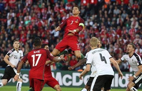 Ronaldo lập kỷ lục buồn: Đá phạt kém, đá 11m tồi - 5